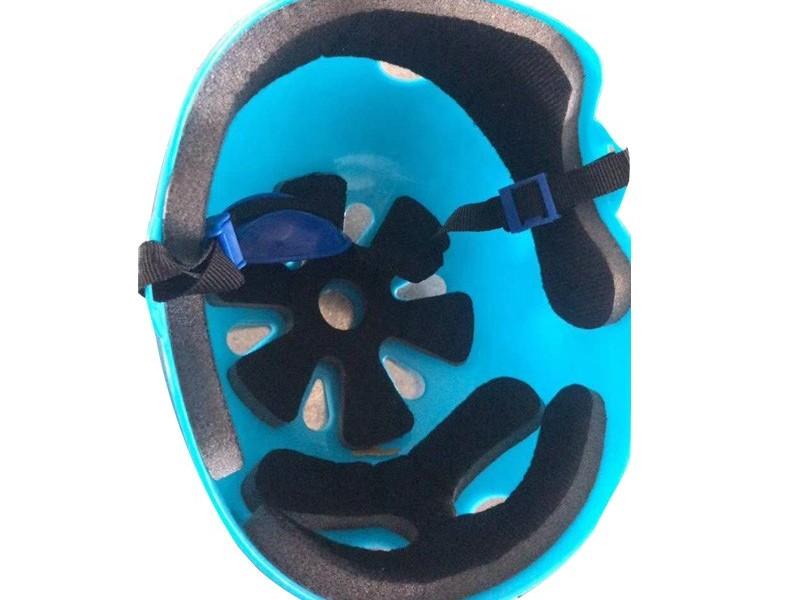 """""""一盔一带""""安守行动应该选择什么样的海绵做头盔内衬呢?"""